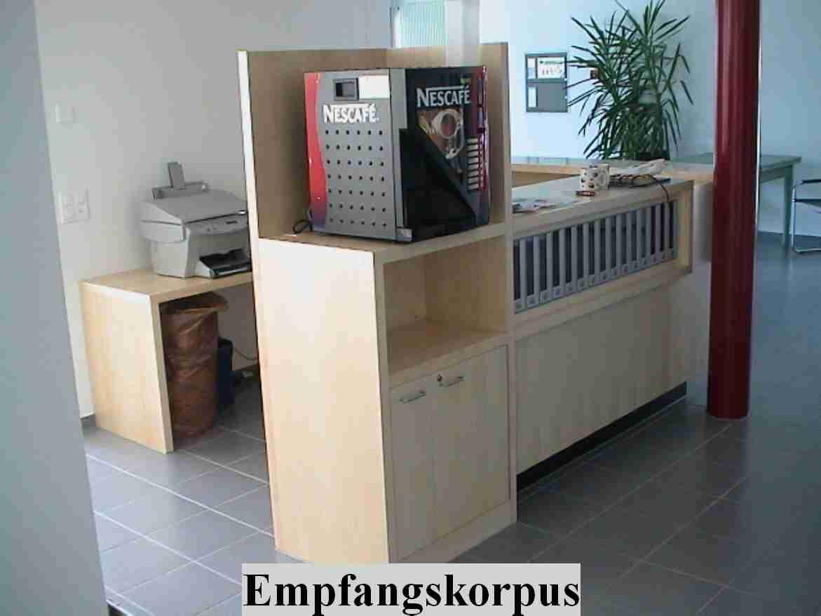 einbaugarderobe unter treppe die neuesten innenarchitekturideen. Black Bedroom Furniture Sets. Home Design Ideas