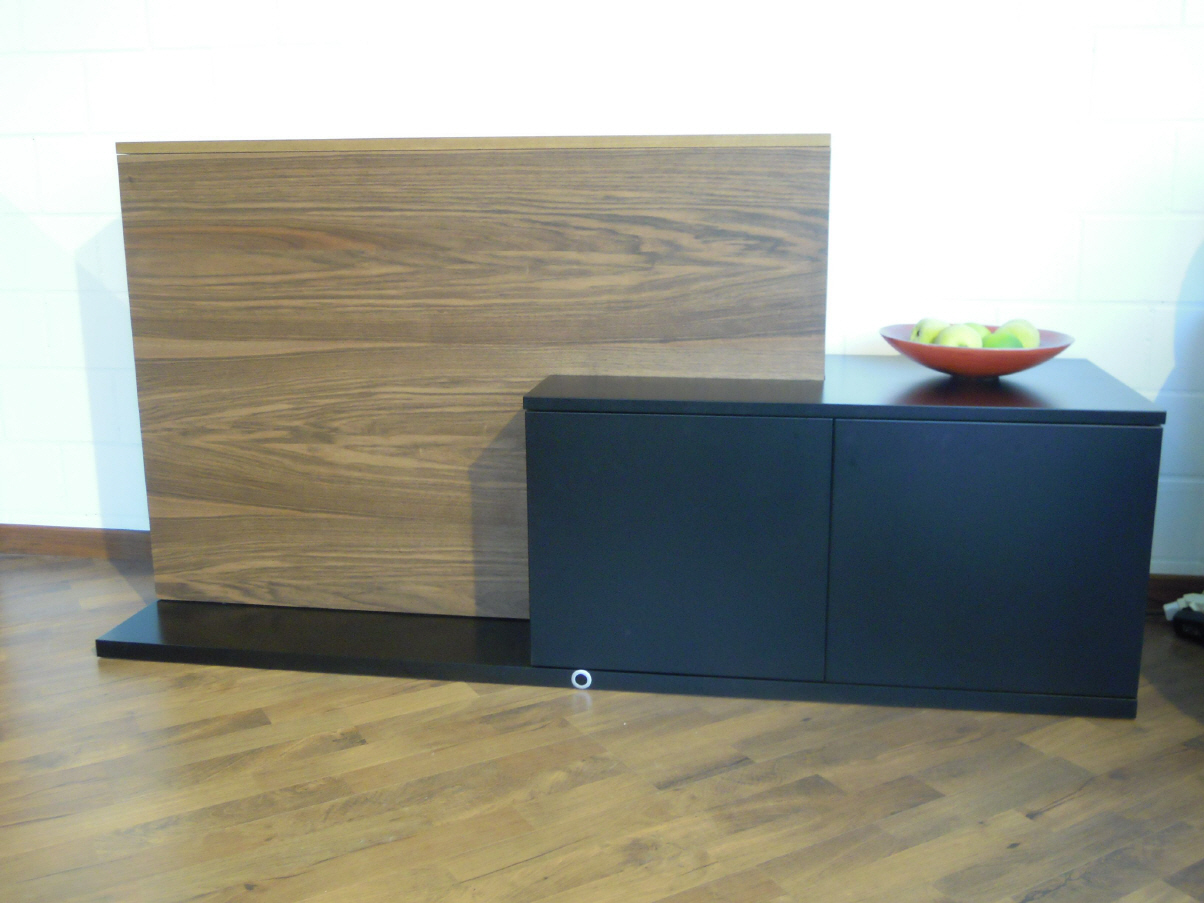 funktionelle tv hifi m bel in ibach schwyz. Black Bedroom Furniture Sets. Home Design Ideas